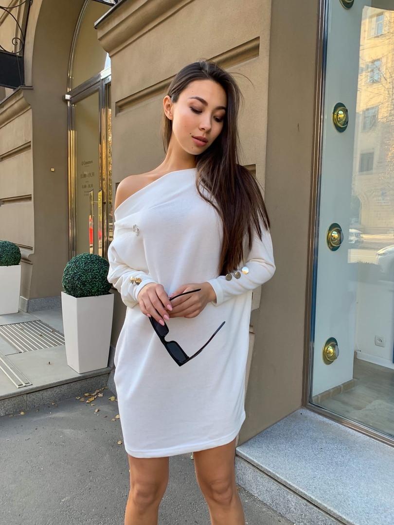 Ангоровое теплое платье со спущенным рукавом