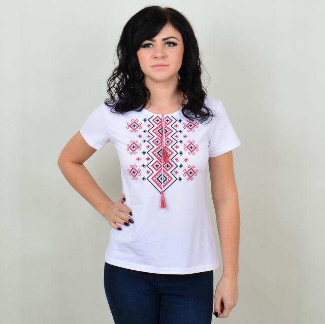 Вишиті жіночі футболки