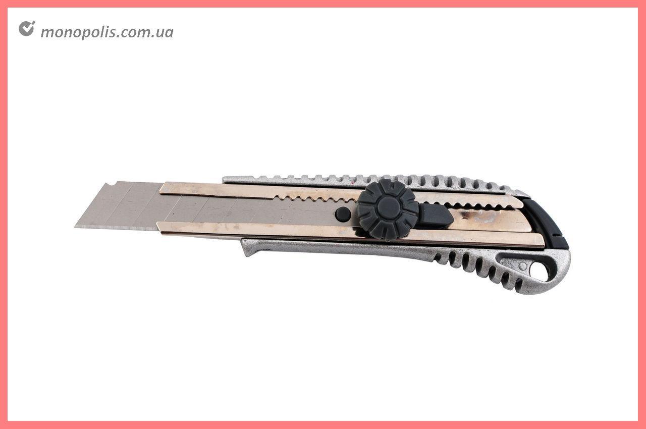 Нож Housetools - 18 мм, винтовой металлический