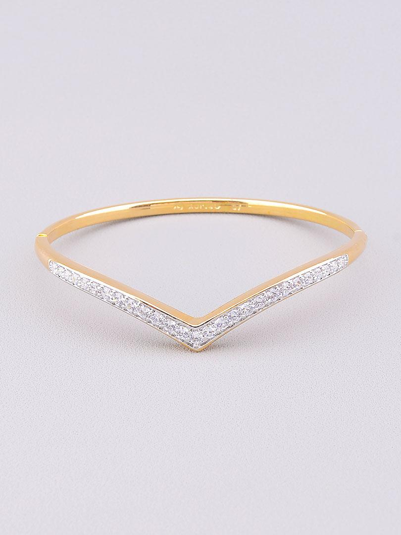 Браслет медицинское золото Xuping Jewelry  украшено изделие фианитами  17 см  покрытие изделия позолота и