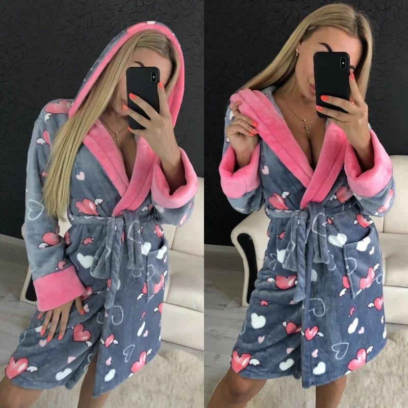 Женский теплый плюшевый халат для дома
