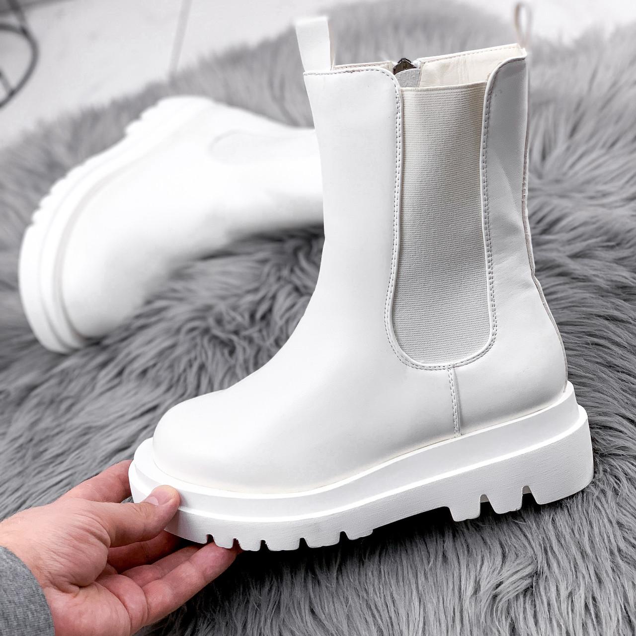 Ботинки женские Veneta белые деми 2371