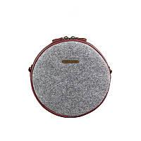 Круглая фетровая женская сумка Таблетка с кожаными бордовыми вставками