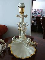 Фарфоровая французская настольная лампа.