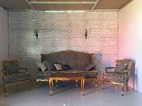 Комплект мягкой мебели в стиле барокко диван, два кресла и столик