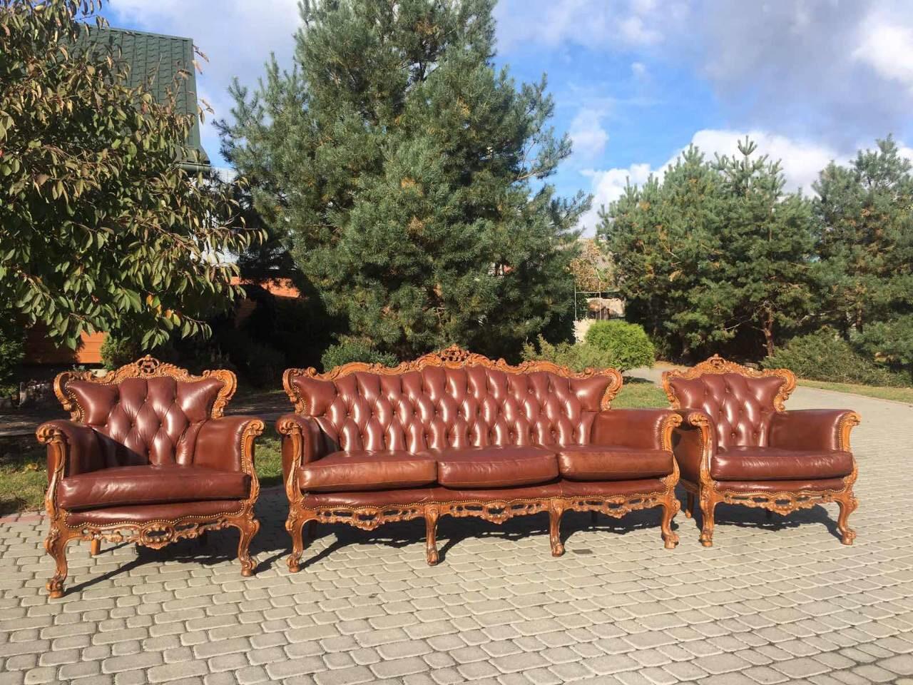 Комплект кожаной мебели барокко, диван и два кресла, б/у