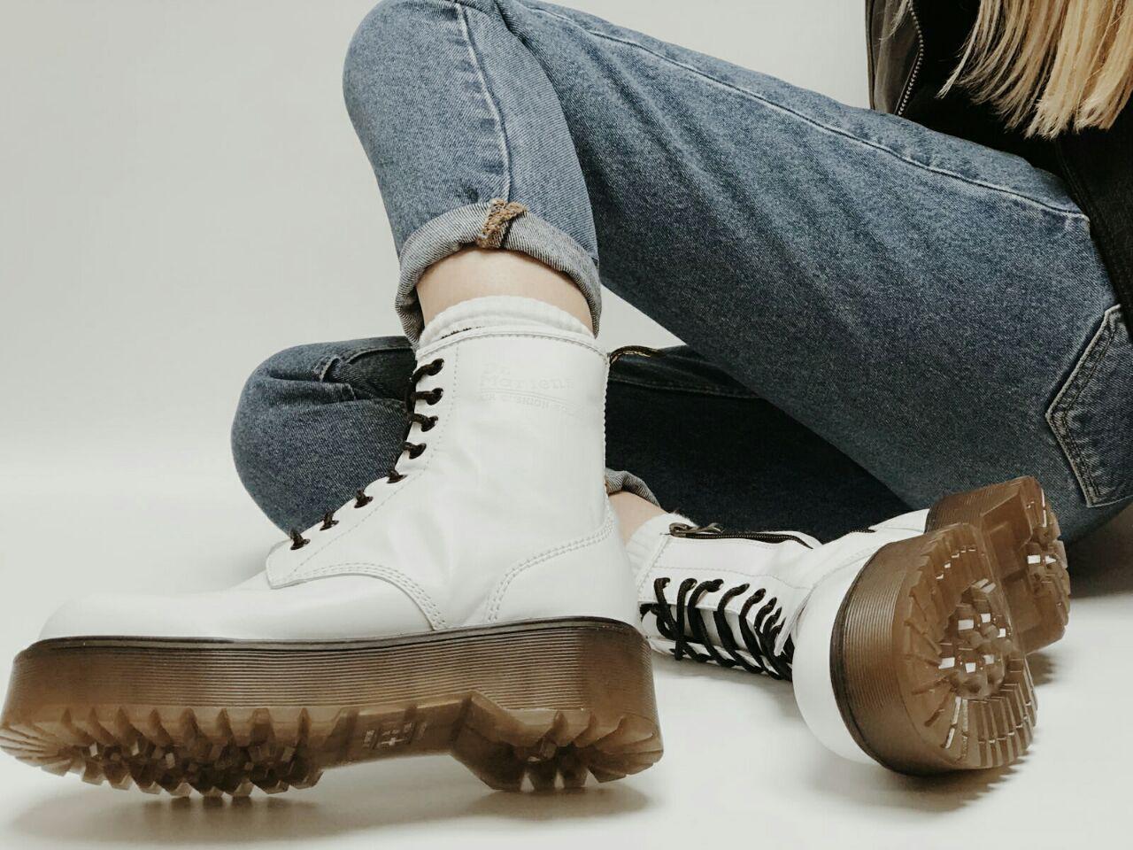 Женские ботинки Dr. Martens Jadon White (Деми). [Размеры в наличии: 36,37,38,39,40]