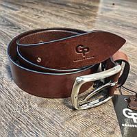 Кожаный мужской ремень коричневого цвета с серебристой пряжкой GP