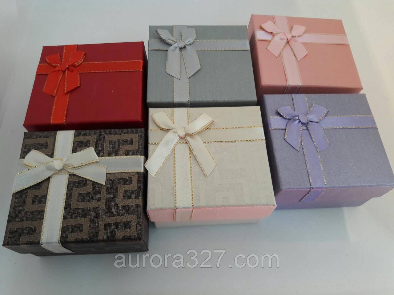 """Подарочная коробочка """"Геометрия с бантом"""" Микс  9 х 9 х 2,5 см для набора"""