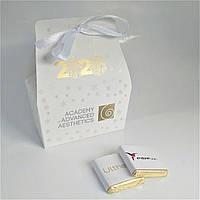 Подарункова коробочка з шоколадом