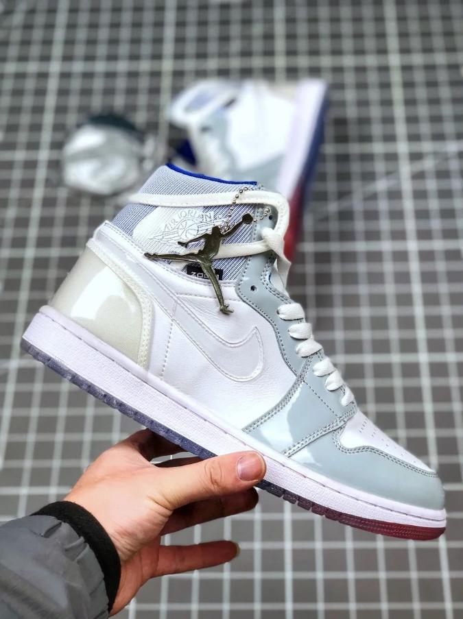 """Кроссовки Nike Air Jordan 1 High Zoom R2T """"Белые/Серые"""""""