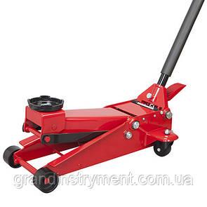 Домкрат підкатний професійний 3т з подвійною помпою і педаллю 130-465мм TORIN T830023T
