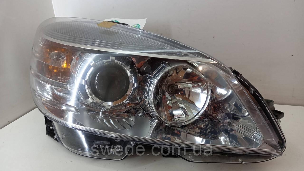 Фара правая Mercedes W204 2007-2015 гг A2048208461