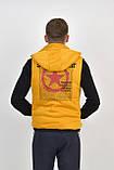 Мужской двухсторонний теплый жилет с капюшоном в черно/желтом цвете, фото 4