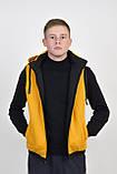 Мужская двухсторонняя жилетка с капюшоном в черно/желтом цвете, фото 2