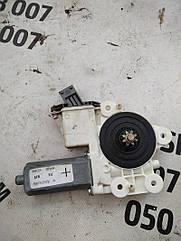 Моторчик склопідіймача Toyota Avensis 6981005050