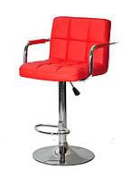 Красное кресло на круглом основании с подлокотниками и подножкой для мастеров Arno Arm Bar CH-Base