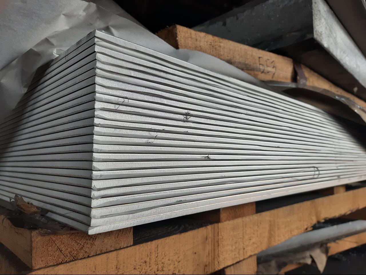 Алюминиевый лист 2,0Х1000Х2000 под пленкой