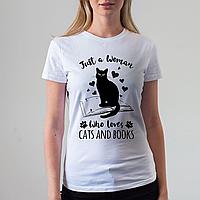 Женская белая футболка,Cats and books