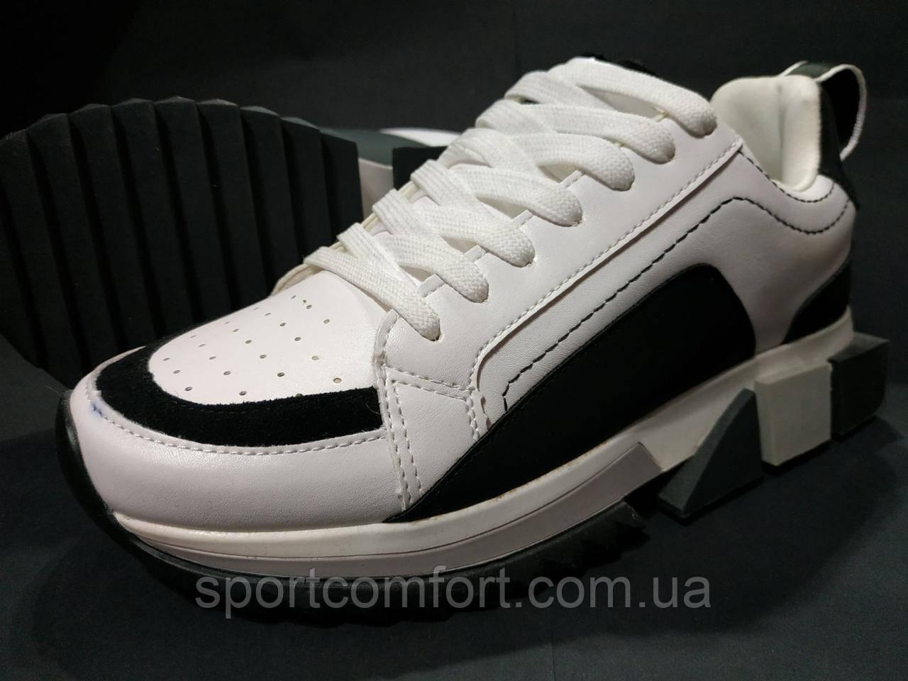 Кросівки білі з чорним