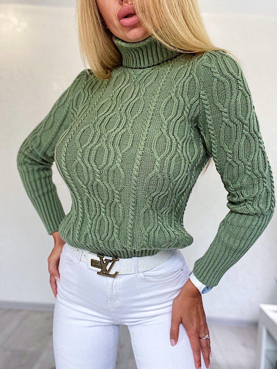 Женский приталенный вязаный свитер полушерстяной с узорами - косами (р. 42-46) 4dm982