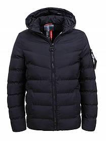 Мужская зимняя куртка с капюшоном в черном цвете
