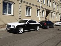 НАШИ РАБОТЫ: Chrysler 300C. Частичная оклейка в белый глянец