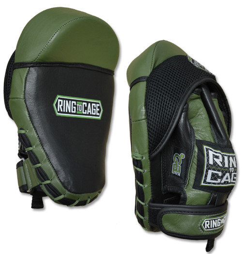 Лапы боксерские RING TO CAGE GelTach Cobra Curved Punch Spar-Mitt (пара)