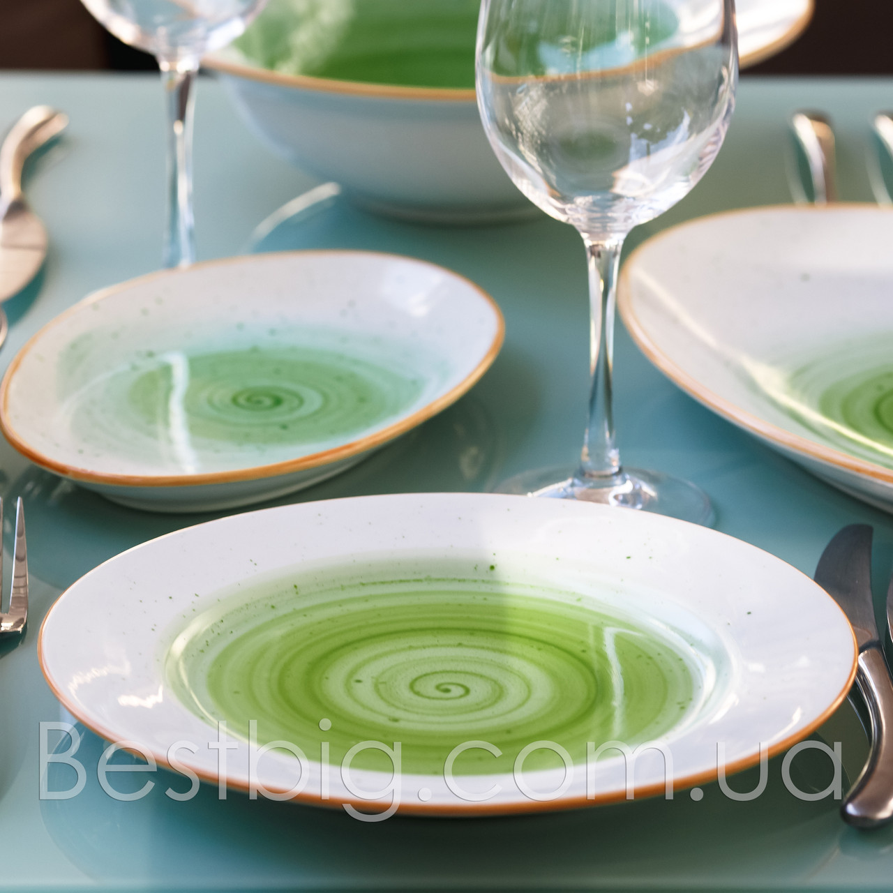 Тарелка мелкая - 23 см, Зеленая (ALT Porcelain) Classical