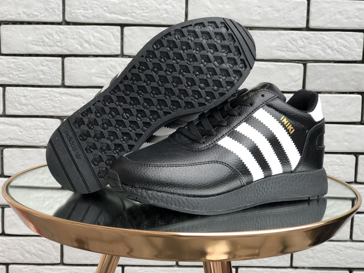 Жіночі зимові кросівки Adidas Iniki (чорно-білі) 9950