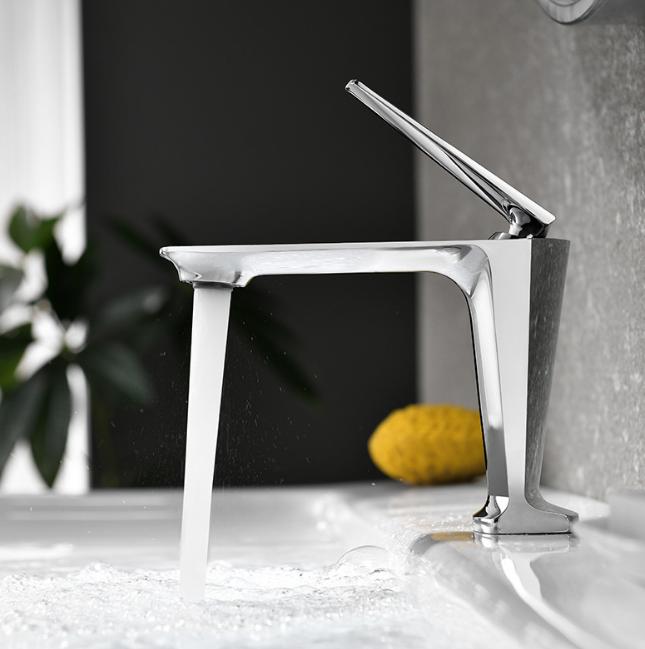 Смеситель для ванной на раковину. Модель RD-0215