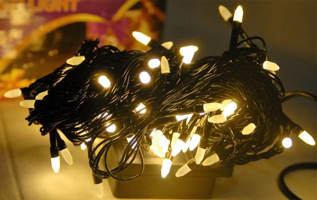 Гирлянда светодиодная 300 LED теплый белый цвет черный провод 13 м