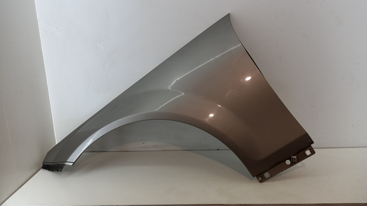 Крыло левое Mercedes W204 2009 гг A2048810101