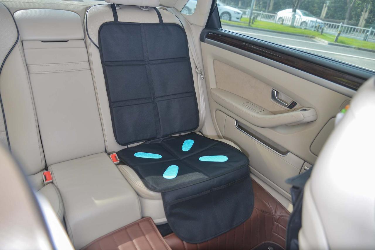 Bugs® Защитный коврик для автомобильного сидения Gel