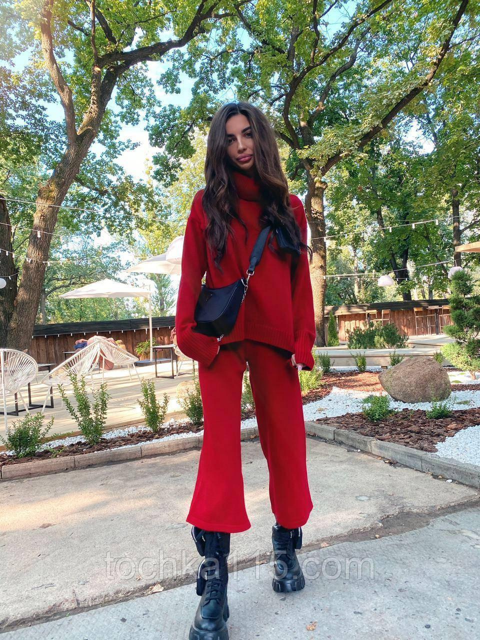 Идеальный базовый  костюм для осени, 42-46р, цвет красный