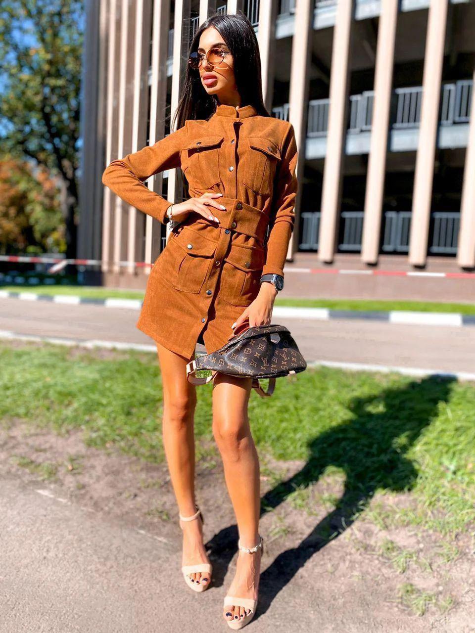 Платье замшевое мини с карманами на кнопках