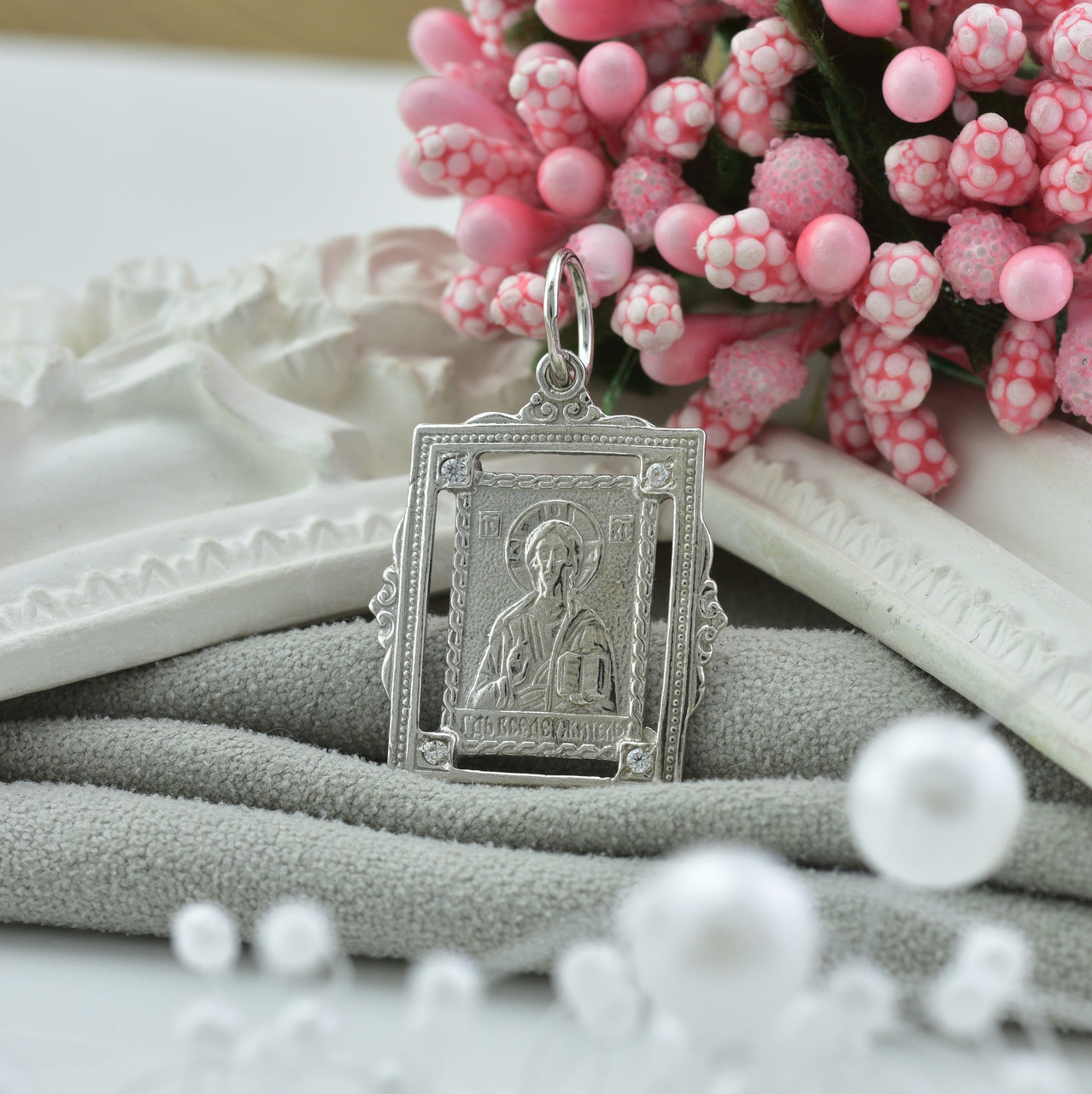 Серебряная иконка Господь Вседержитель размер 30х19 мм вставка белые фианиты вес 2.47 г