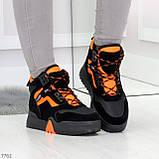 Яркие черные неоновые оранжевые зимние женские кроссовки сникерсы, фото 7