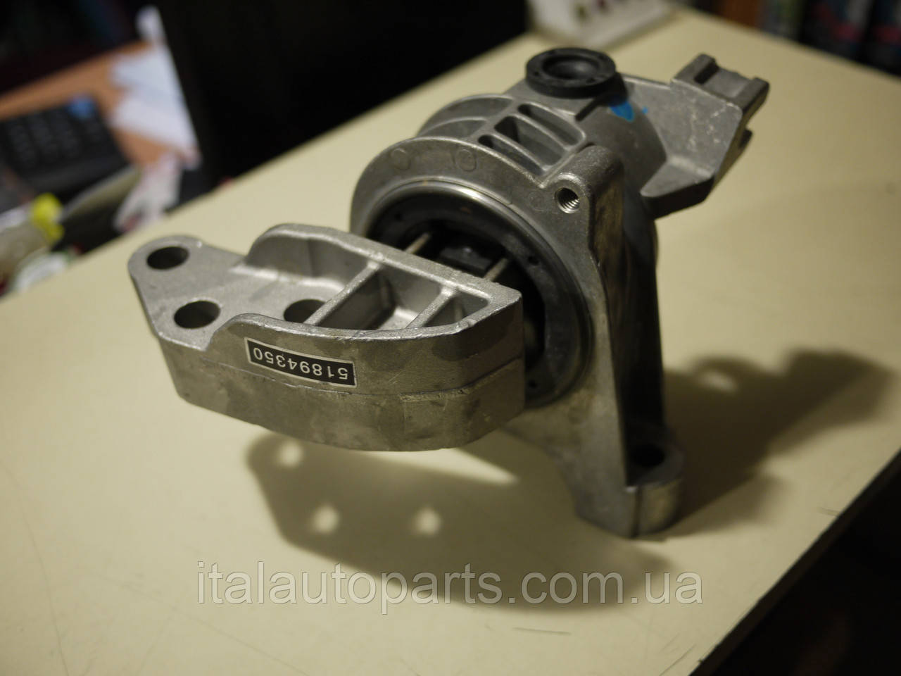Подушка двигателя правая Lancia Nuovo Delta 1,4T