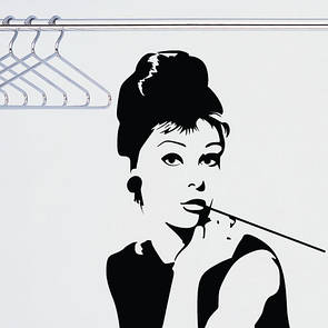 Наклейка на стену Одри Хепберн (девушка с сигаретой, силуэт девушки, человека)