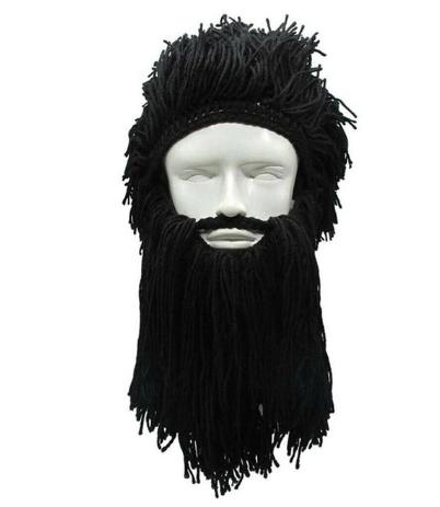Зимняя шапка викинга с дредами и средней длины бородой Чёрная