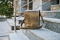 Мужская сумка кожаная Практик оливкового цвета