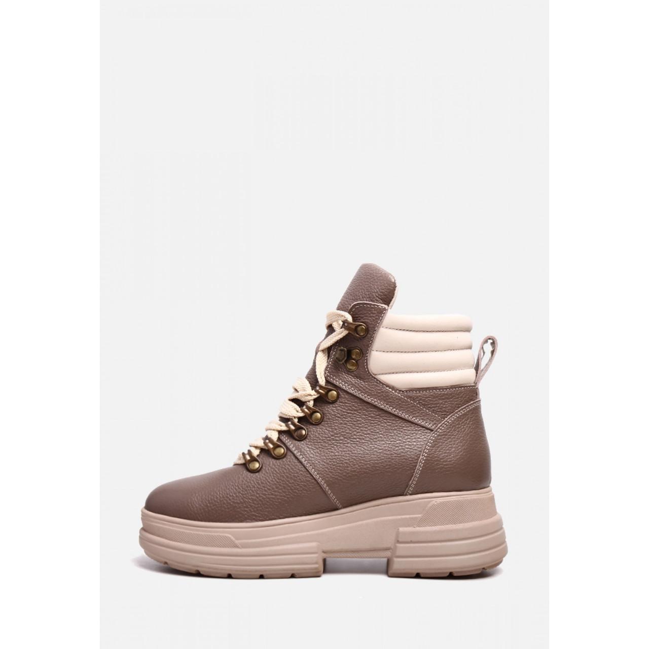 Зимние бежевые ботинки из натуральной кожи