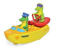 Крокодил на водных лыжах