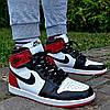 Кроссовки мужские Nike Air Jordan 1 Retro High красные с черным осень-весна. Живое фото. Реплика