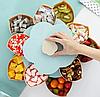 Вращающаяся складная двухъярусная конфетница SUNROZ Flower Candy Box, фото 7