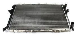 Радиатор охлаждения Audi 100 1991-1997 (2.0-2.5) АКП 632*412мм по сотах KEMP