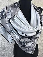Брендовый белый платок с красивой каймой