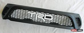 Toyota Hilux Revo 2014 решетка радиатора черная большая TRD белый