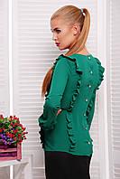 Классическая зеленая блузка с пуговицами на спине